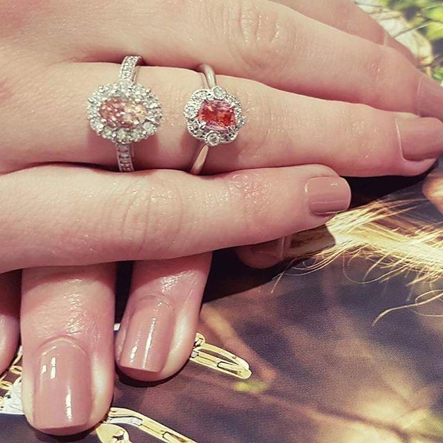 Apricot and padpasarcha sapphires 💕💕💕#leskesdiamondssparklemore #padparadscha #sparkle #portfairy #greatoceanroad #engagementring #anniversary #diamonds  #Regram via @loveleskesjewellers