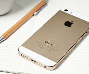 The golden iPhone 5S