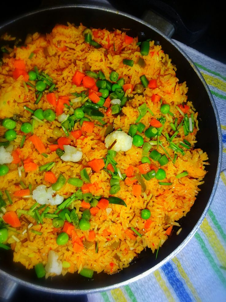 Veg Indian Cooking: Green Garlic Vegetable Pulao How to prepare Green #Garlic #Pulao | #GreenGarlicFriedRice | #GreenGarlic #VegetablePulao | Fresh Garlic Pulao | #LehsuniPulao..   Pulao is a South Asian rice dish (in Afghanistan, Bangladesh, Nepal, Pakistan, India, Iran), likewise known as Pilaf, Pulao, Pilau, Pilaf, Paella means the same and go to the same fraternity.