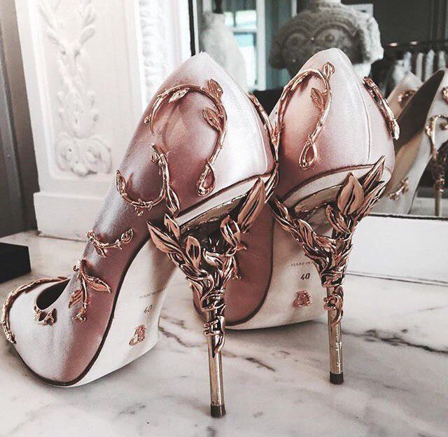 Fabulous παπούτσια και φορέματα από το εμπορικό σήμα Ralph & Russo - Έκθεση Masters - χειροποίητα, χειροποίητο
