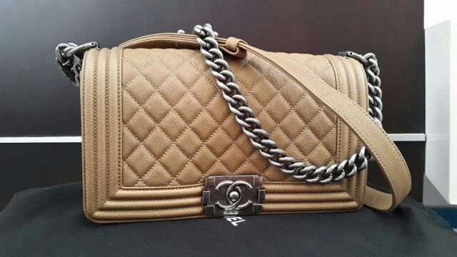 Excellent condition Chanel boy gold RHW#18  Rp 46.5jt