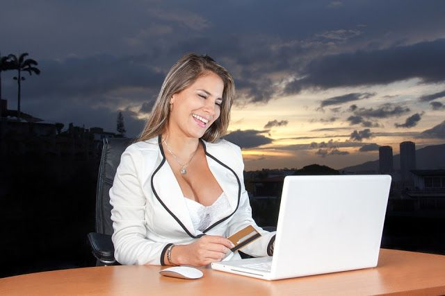 Εργασία από το σπίτι - Δουλειές με αληθινή προοπτική και εισόδημα! Απέφυγε τις απάτες με τις ψεύτικες υποσχέσεις και επένδυσε το χρόνο σου σε εργασίες από το σπίτι ή/και τον υπολογιστή σου που μπορούν πραγματικά να σου αποφέρουν εισόδημα. Δες ποιες είναι οι πιο επιτυχημένες ιδέες τέτοιων επαγγελμάτων με ή χωρίς τη χρήση υπολογιστή και internet!