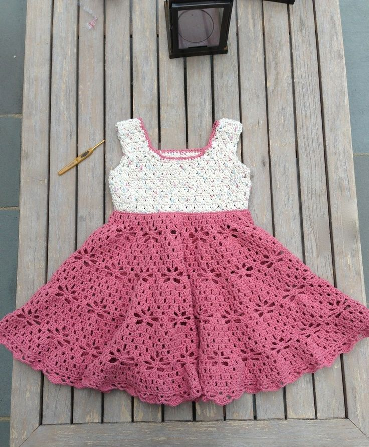 Crochet Patterns Little Girl Dresses : Little Girl Vintage Dress Free Pattern Little crochet dresses Pin ...