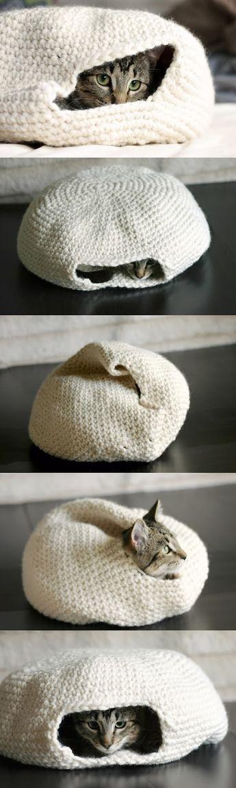 DIY Cozy Crochet Cat Bed | DIY Craft Project