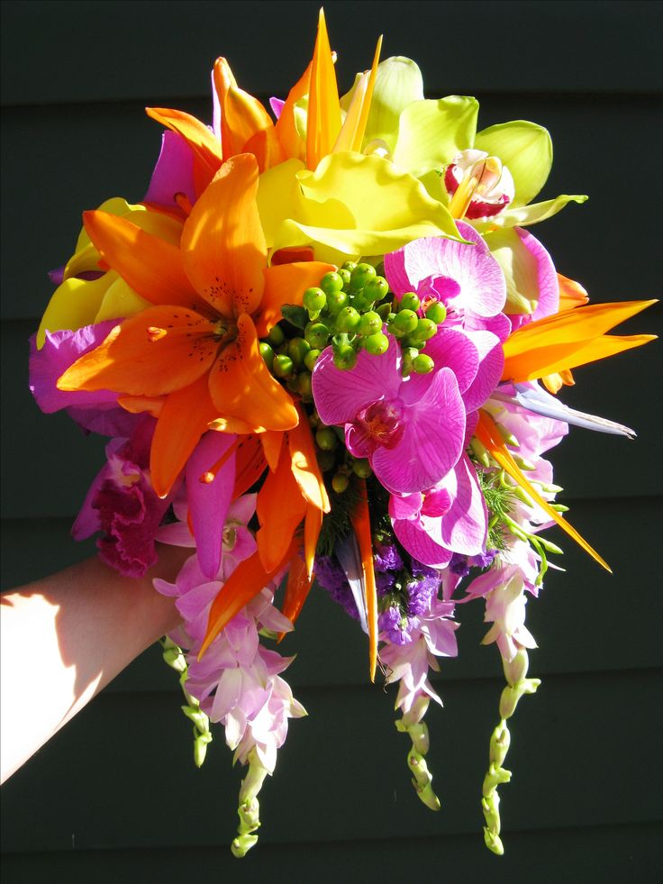 Tropical wedding bouquet for a destination wedding