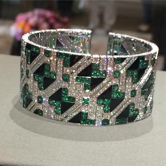 Giampiero Bodino Important Emerald and Diamond Cuff Bracelet   Saved for Future Outfits in Gabrielle's Amazing Fantasy Closet