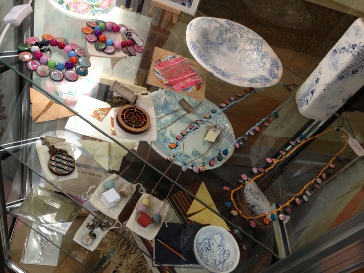 ceramics & jewellery
