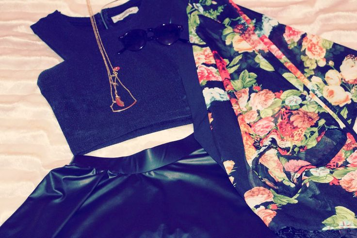 NEW IN CLOSET - Black & Flowers  link: http://perolamakeupblog.blogspot.pt/2014/07/new-in-closet-black-flowers.html