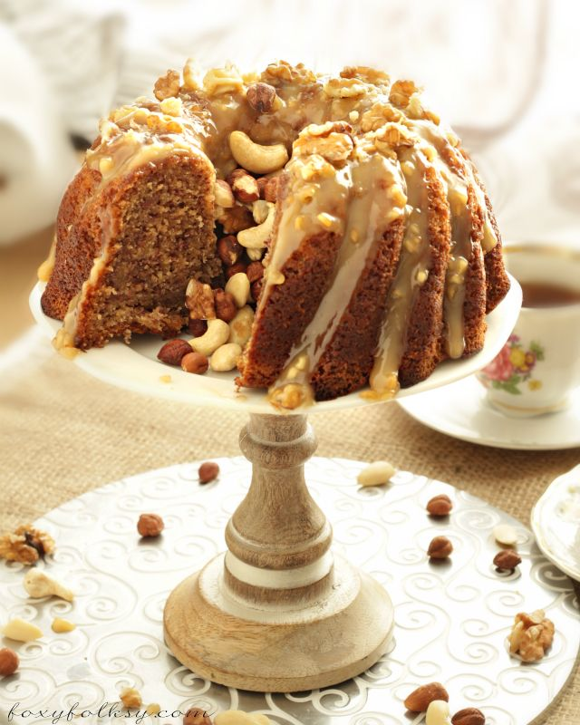 When it comes to cakes, as far as I can remember, Banana Cake has always been my favorite   www.foxyfolksy.com #recipe #baking #cake #peanutbutter #frosting
