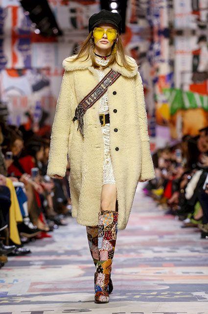 Неделя моды в Париже  Кара Делевинь, Ольга Куриленко и другие звезды на  показе Dior f25ae0eebd0