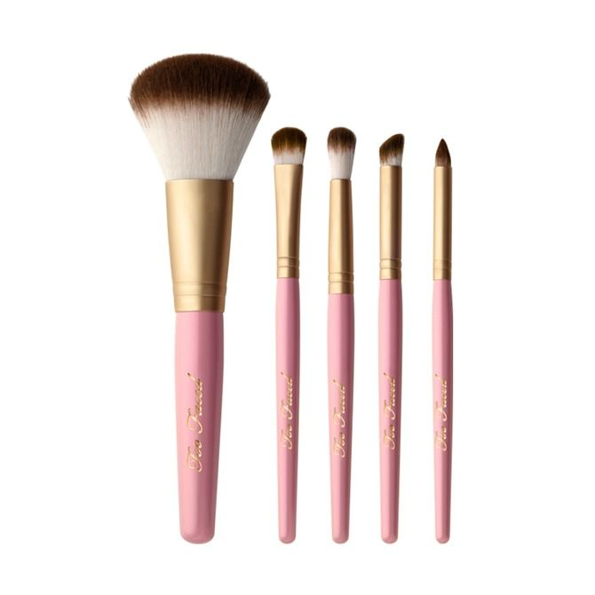 7 Best Synthetic Vegan Makeup Brushes Because Beauty Can Be Cruelty Free | Bustle