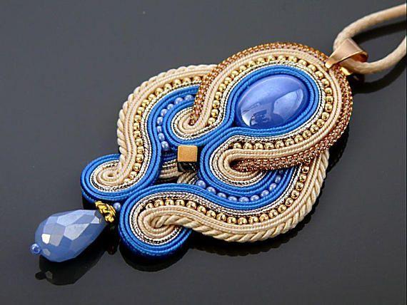 Oro azul collar de Soutache con Hematites.