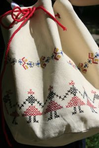 hand painted bag in Romanian traditional patterns