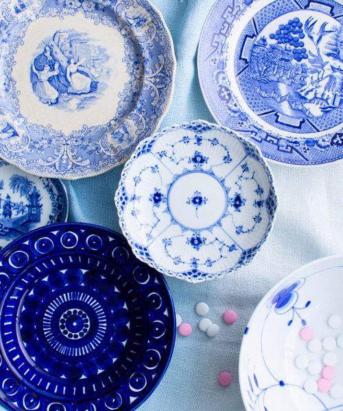 Blue and white ceramics from Arabia, Rörstrand and Royal Copenhagen. Glorian Antiikki 9/2013. Photo Tuomas Kolehmainen.