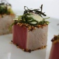 Black and white sesame seeds crusted tuna All rights reserved www.guidilenci.com
