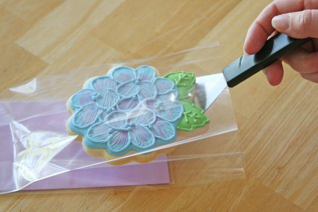 glorious treats | Pretty Cookie Packaging - Step by Step, via GloriousTreats.com