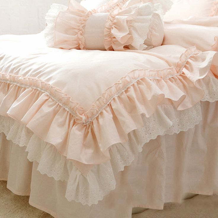 Romantic bedding. Shabby Chic bedding.