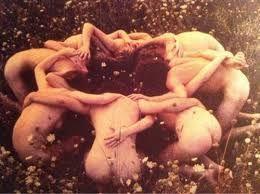 Resultado de imagen de FIGURA DIOSA pelicula las brujas de eastwick