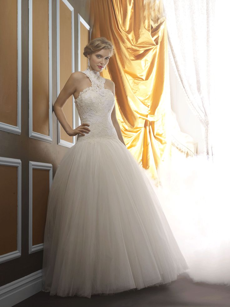Beautiful wedding gowns! New York is the place! Check out Birnbaum & Bullock (https://www.voncierge.com/salons/show/15)!  Voncierge is your ultimate wedding planning website. Find all your wedding vendors and book free consultations!