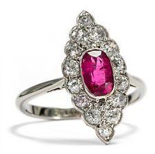 Art Déco um 1930: Antiker Ring aus Weißgold, Rubin & Diamanten, Diamant Gold