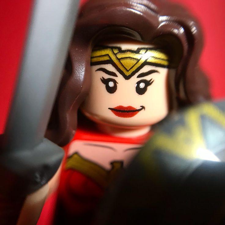 Wonderwoman lego minifigure #lego #wonderwoman #justiceleague #galgadot