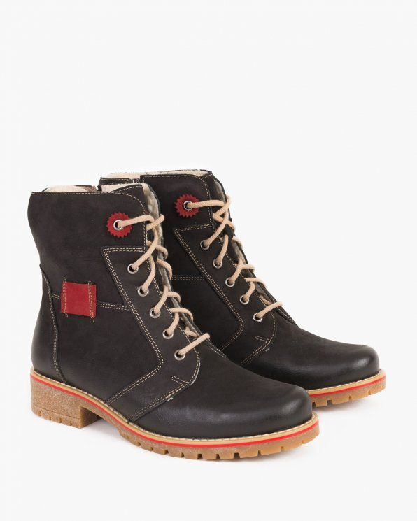 Pin By Kulig On Jesien 2018 Boots Hiking Boots Shoes