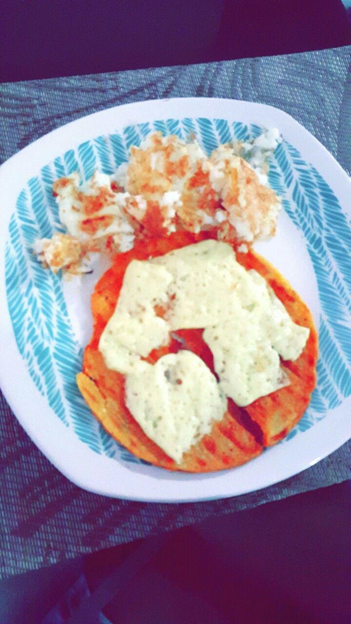 Desayuno : arepa, queso y claras de huevo