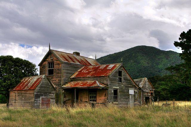 Old house, Cross Creek, Lake Wairarapa, Wellington, New Zealand by brian nz, via Flickr