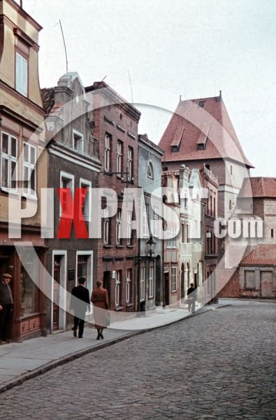 ww2 color photo slide farbdia agafcolor filmosto street near the river Nogat in Marienburg and southern tower of the castle, Poland 1941 by Franz Krieger