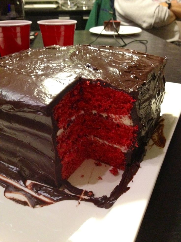 Red velvet cake with vanilla bean mascarpone filling and dark ...