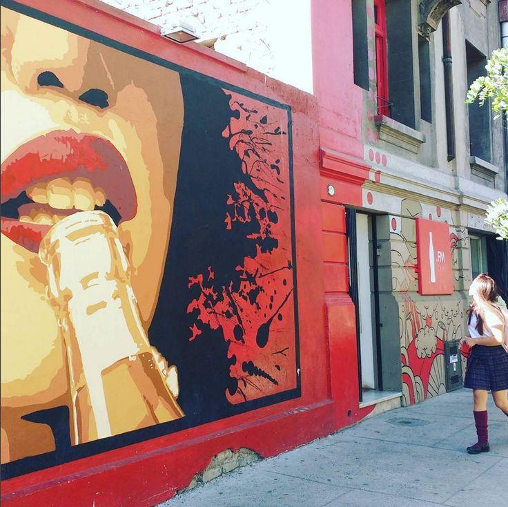Rádio Coca Cola fm no bairro de Bella Vista em Santiago.