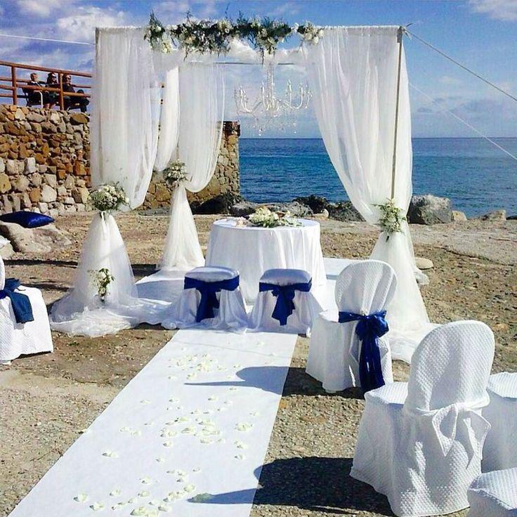 Il giorno del matrimonio è il più bello festeggialo sulla spiaggia delll'#isoladelba per renderlo indimenticabile come dimostra la foto di @lisac_ . Continuate a taggare le vostre foto con #isoladelbaapp il tag delle vostre vacanze all'#elba
