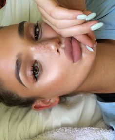 kylie jenner celebrity faux freckles plump lip well arched brows