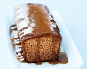 Banana cake with caramel sauce / Donnay Hay; fast fresh simple