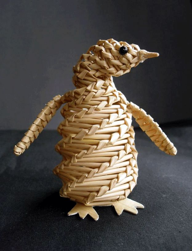 Straw Woven Penguin by Elaine Lindsay from Aberdeenshire, Scotland, an award holder belonging to the Straw Craftsmen Guild & a member of the National Association of Wheat Weavers (USA). / http://www.somethingcorny.co