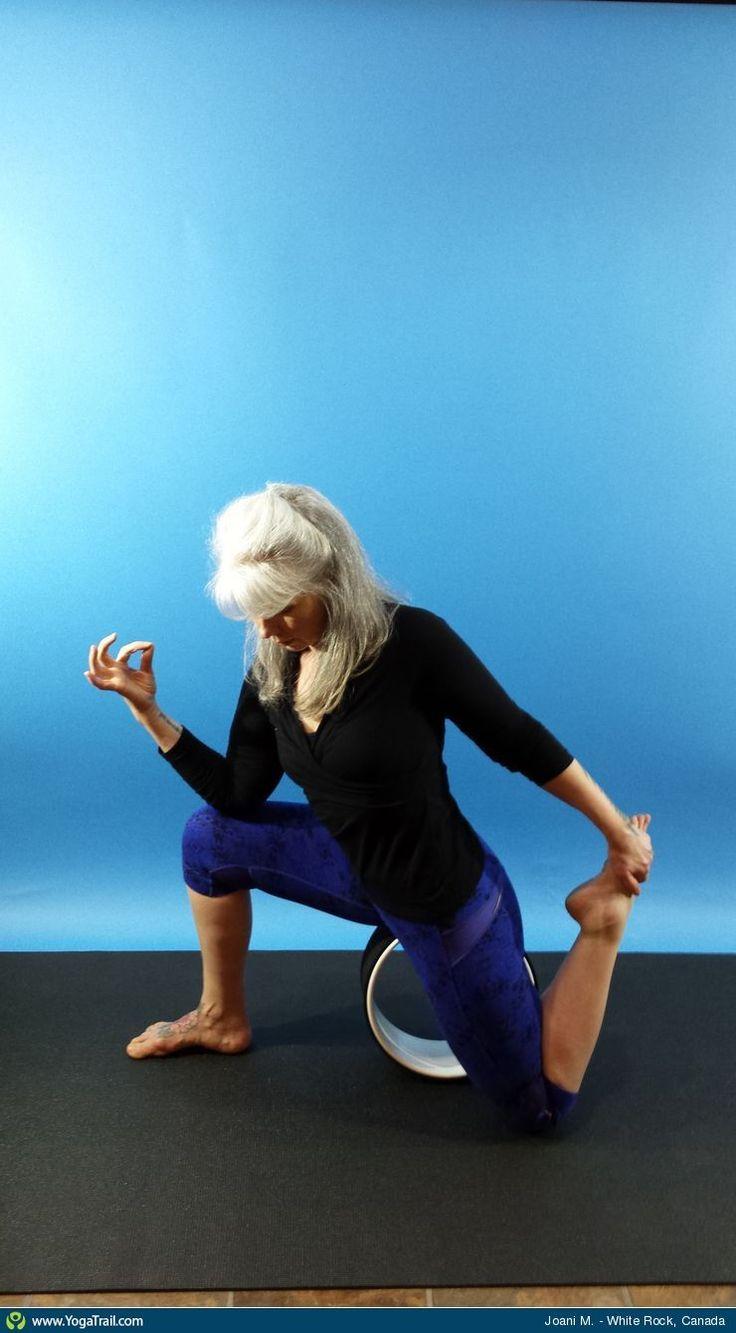Click here to see Joani's yoga pose in White Rock #asanas #yogatrail