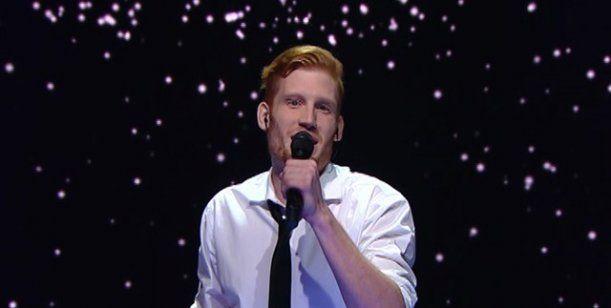 Un joven con problemas auditivos emocionó a todos cantando como Michael Bublé