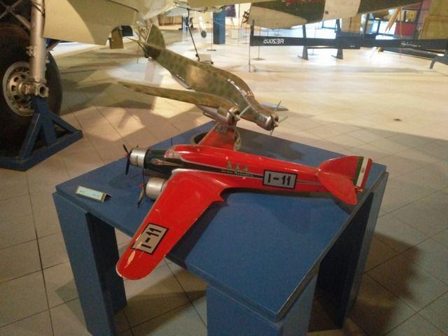 Buon sabato a tutti! :-)  Oggi Vi aspettiamo con orario continuato dalle 10.00 alle 18.00 e nel pomeriggio Vi proponiamo le seguenti attività: ore 15.00: Caccia all'aereo, un viaggio speciale tra gli aerei del Museo; ore 16.00: DiscoveRobot, per costruire e programmare un piccolo robot. Per le attività è gradita la prenotazione. Per maggiori informazioni potete telefonare al numero 0461 944 888, scrivere una mail a museo.caproni@muse.it oppure visitare la pagina http://www.museocaproni.it/i