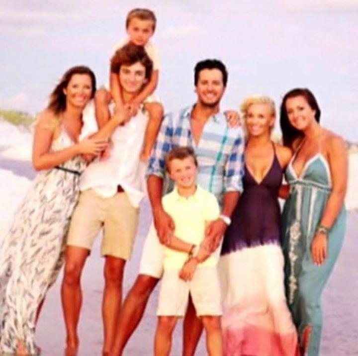 Luke & Caroline Bryan With Sons Bo & Tate Nieces Kris & Jordan Nephew Til
