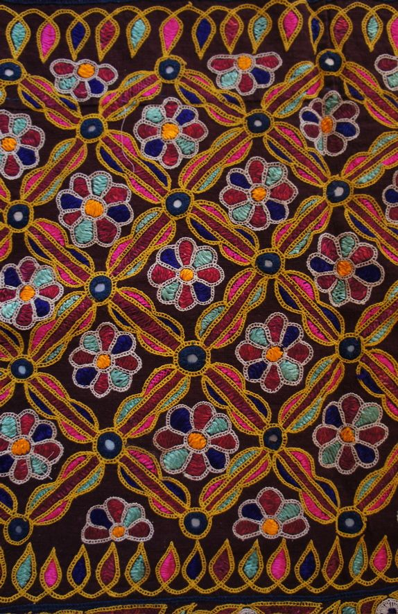 mochi embroidery of kutch