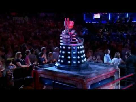 Doctor Who - Davros at the Proms- HD ( it's eerie when Davros said welcome and the whole concert hall goes silent)