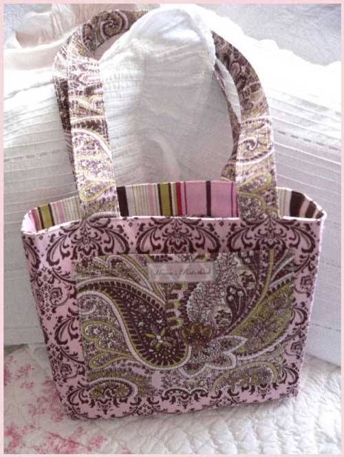 Free Purse Pattern and Tutorial - Pink October Tote Bag