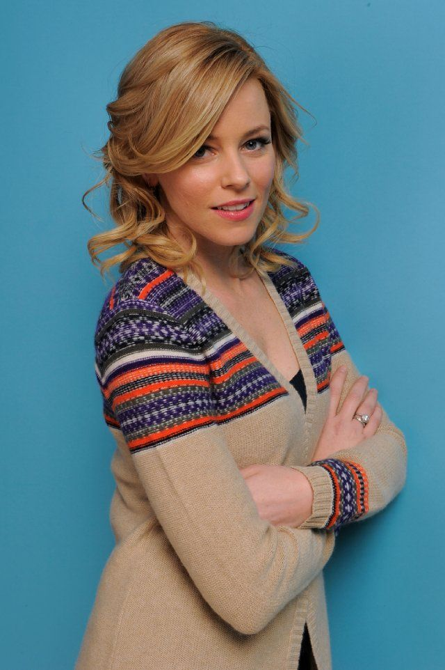 Elizabeth Banks as Isabella Calloway