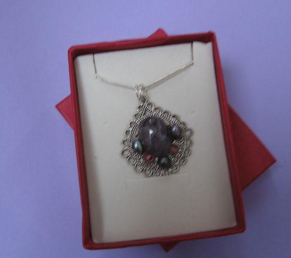 AB1835 OGRLICA AMETIS CRNI BISERI SWAROVSKI KRISTALI #jewelry #ametist #crnibiseri #ogrlica