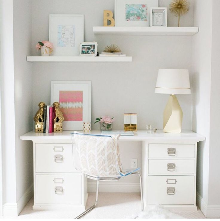 Love this simple desk & study area.