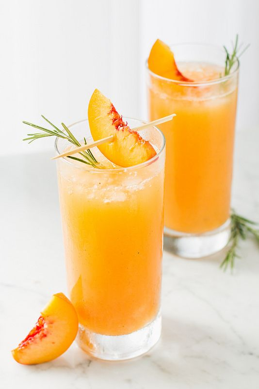 Grilled Peach & Rosemary Prosecco #cocktail #recipe #cocktails
