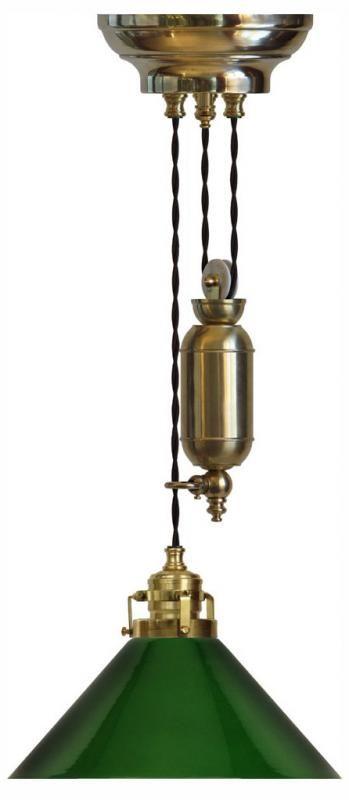 Skomakarehiss - Klassisk hisslampa i mässing med grön skärm - Sekelskifte