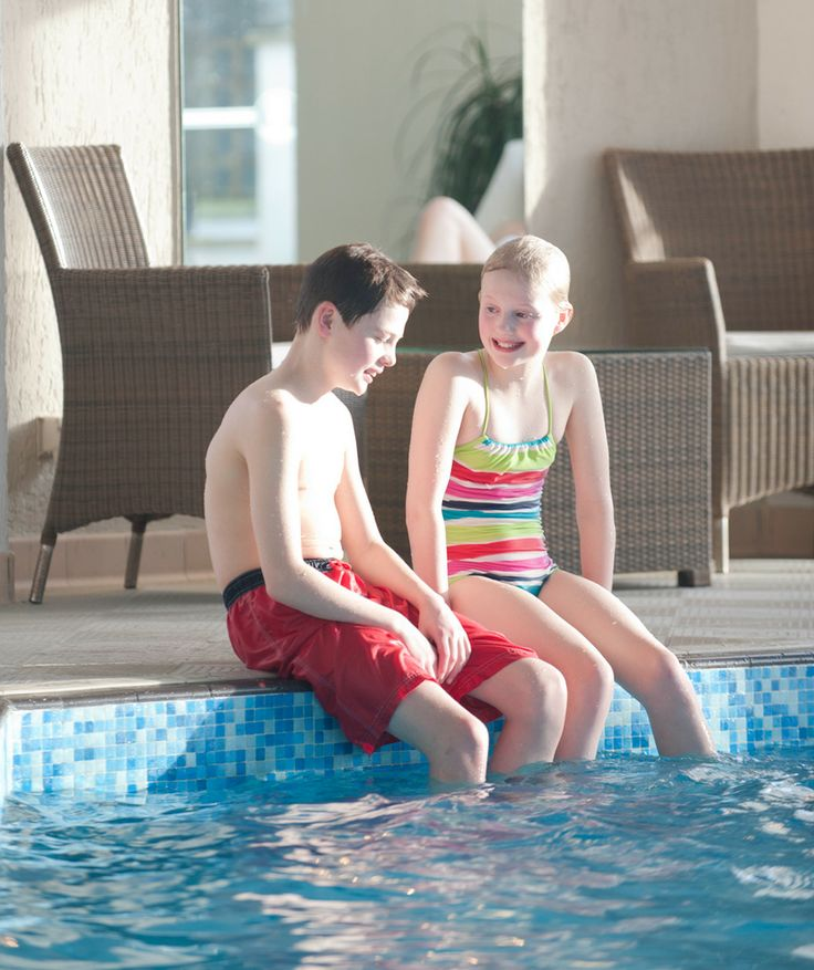 Fun with friends and family in the heated indoor pool carlyon bay hotel for Hotels in cornwall with indoor swimming pool