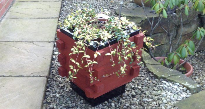 Simple planter box with flowers by Keith