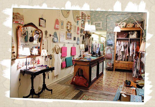 Tienda decoracion barcelona affordable un escaparate de - Ropa hogar barcelona ...